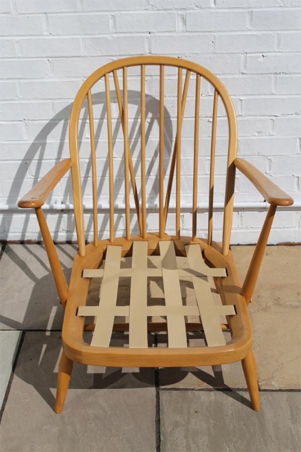 Floor Chairs >> Johanna Pinder-Wilson · Ercol Windsor Easy Chair (model 203)